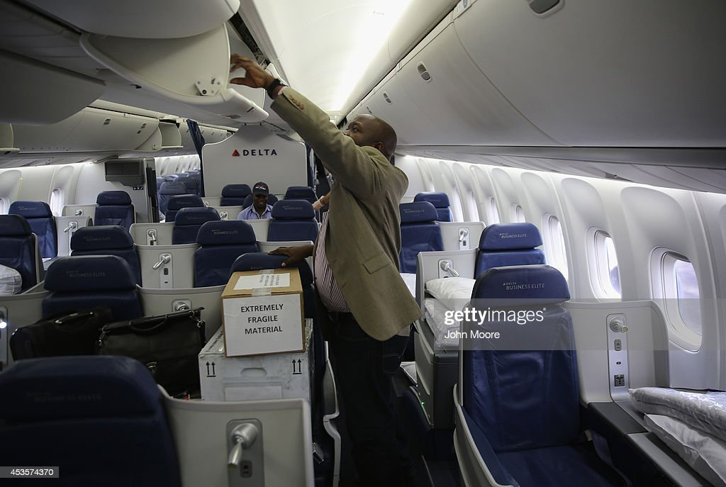 Experimental Ebola Drug Delivered To Liberia From US : News Photo