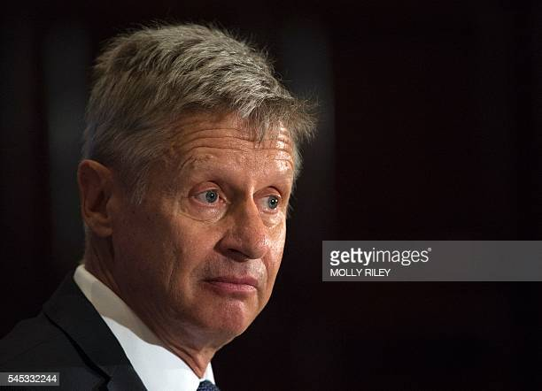 Libertarian Party presidential candidate Gary Johnson speaks at a National Press Club Luncheon on July 7 in Washington, DC. / AFP / MOLLY RILEY