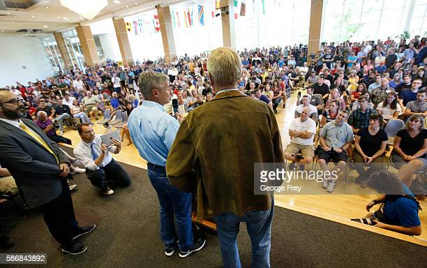 Libertarian presidential candidate Gary Johnson and running mate Bill Weld talks to a crowd of supporters at a rally on August 6 2015 in Salt Lake...
