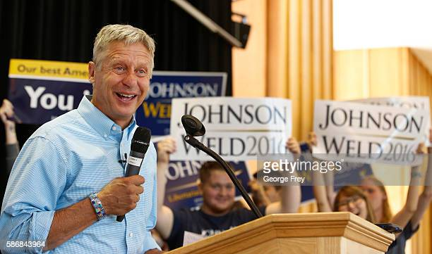 Libertarian presidential candidate Gary Johnson talks to a crowd of supporters at a rally on August 6, 2015 in Salt Lake City, Utah. Johnson has...
