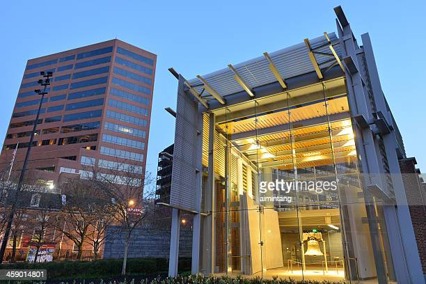 liberty bell center - liberty bell stock pictures, royalty-free photos & images