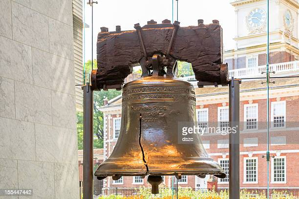 liberty bell with independence hall in background - pennsylvania stock pictures, royalty-free photos & images