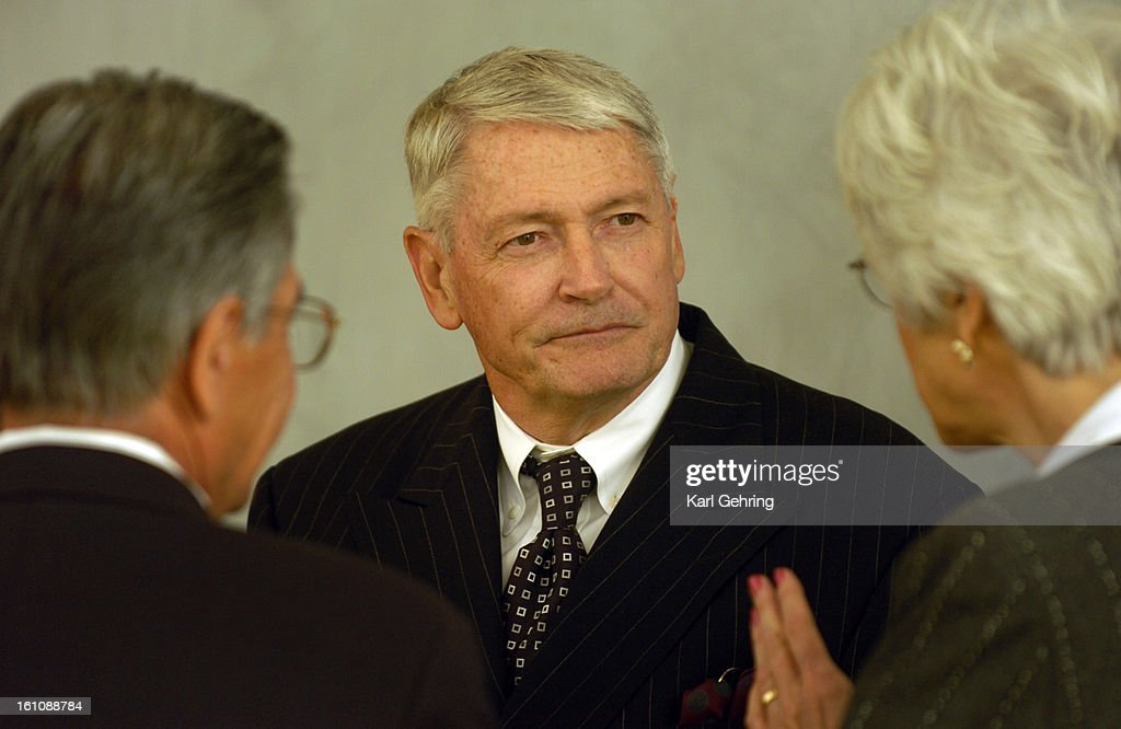 DENVER, CO (05-17-2006) -- Liberty Media Chairman John Malone socialized Wednesday evening before the University of Colorado Business School Celebration of Success Dinner at the Hyatt Hotel. He also was the keynote speaker, sharing stories of his life in  : News Photo