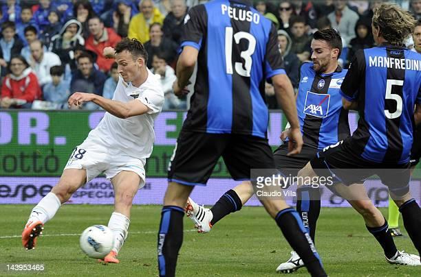 Libor Kozak of SS Lazio scores the first goal during the Serie A match between Atalanta BC and SS Lazio at Stadio Atleti Azzurri d'Italia on May 6,...
