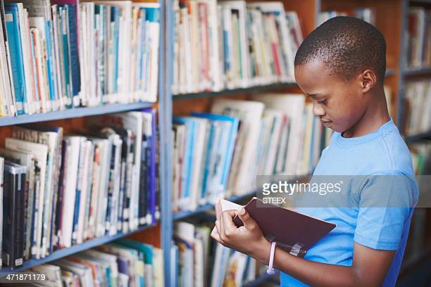 libraries are a great place for creative minds - reading stock pictures, royalty-free photos & images