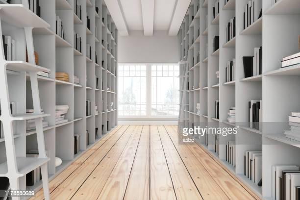 木製の棚が付いている図書館通路 - 図書館 ストックフォトと画像