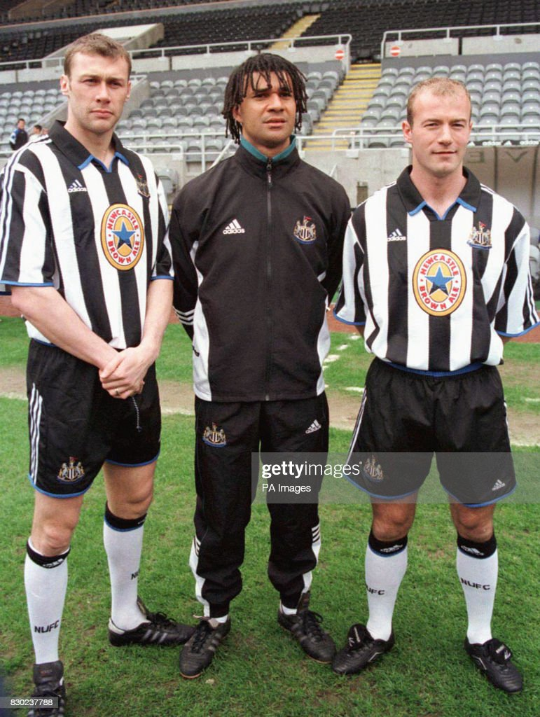 ¿Cuánto mide Ruud Gullit? - Real height Library-file-picture-dated-15499-of-newcastle-united-manager-ruud-picture-id830237788