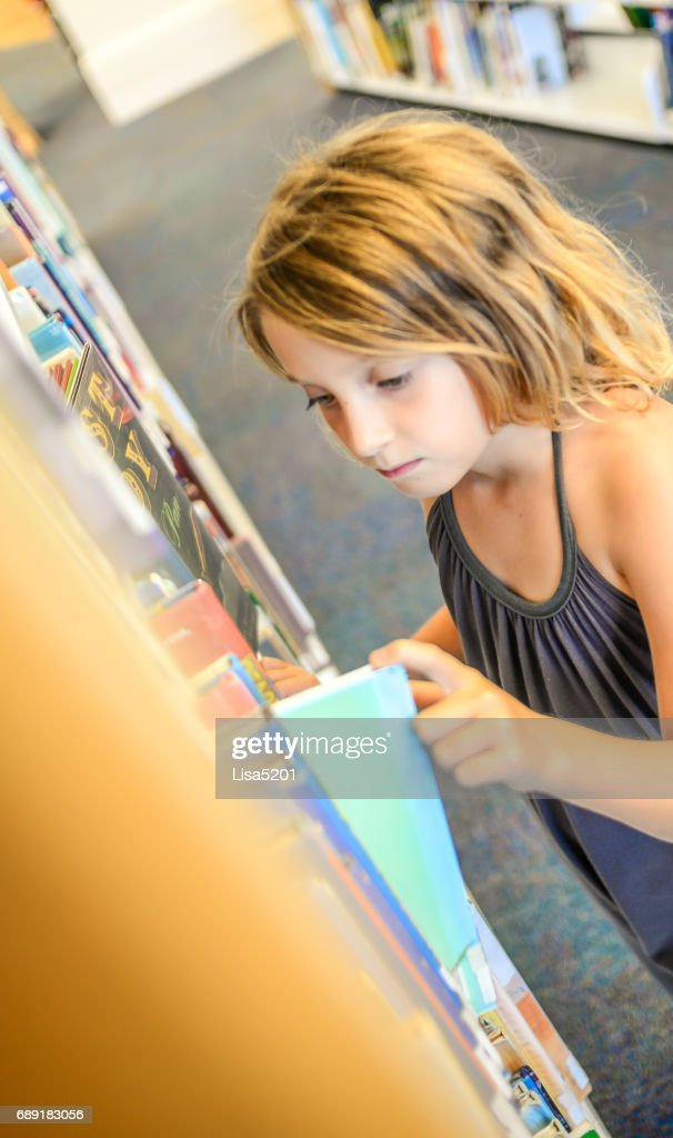 Library girl : Stock Photo