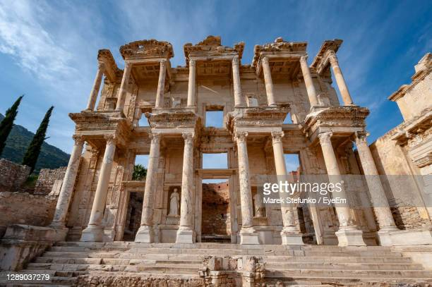 library of celsus in ancient ephesus - marek stefunko stock pictures, royalty-free photos & images