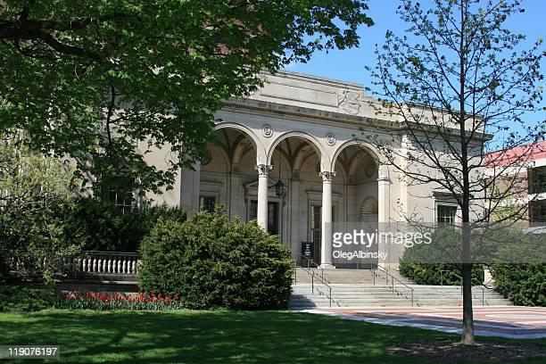ライブラリーのミシガン大学、アナーバー、ミシガンます。ブルーの空。 - アナーバー ストックフォトと画像