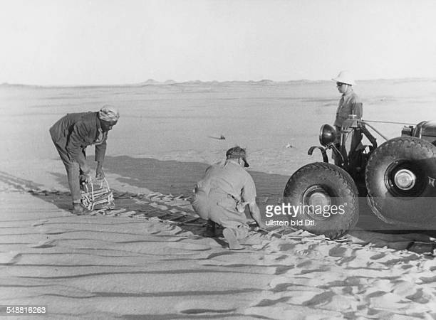 Libya Exploring expedition of the Count Laszlo Almasy the british Wingcommander Hubert Penderell and the hungrian Dr Kadar through the Libyan Desert...