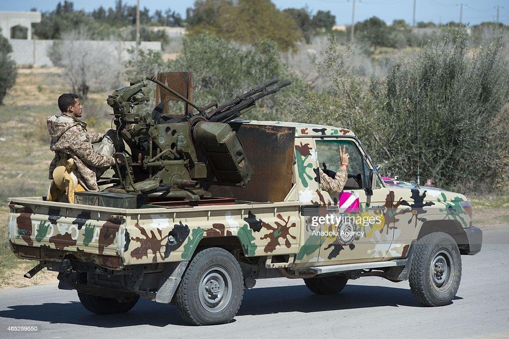 Libyan Dawn Coalition forces deploy in Libya's Zintan region : News Photo