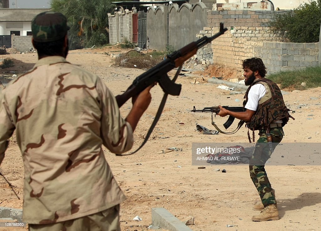 Libyan fighters loyal to the National Tr : News Photo
