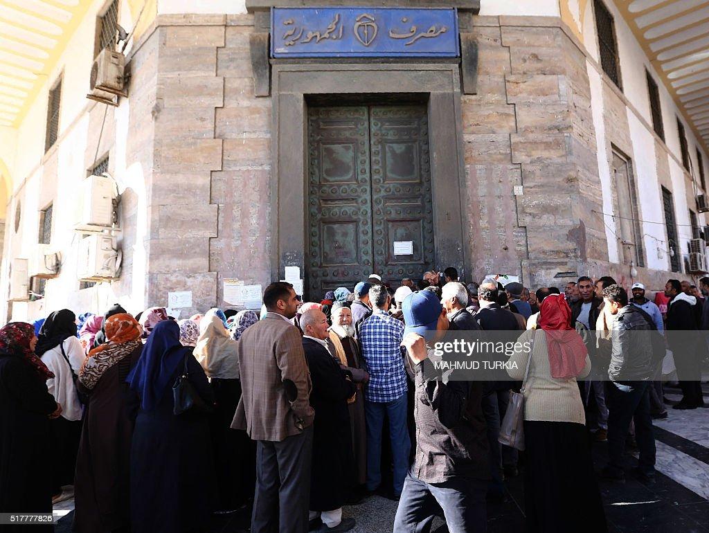 LIBYA-UNREST-POLITICS-GOVERNMENT-TRIPOLI : News Photo
