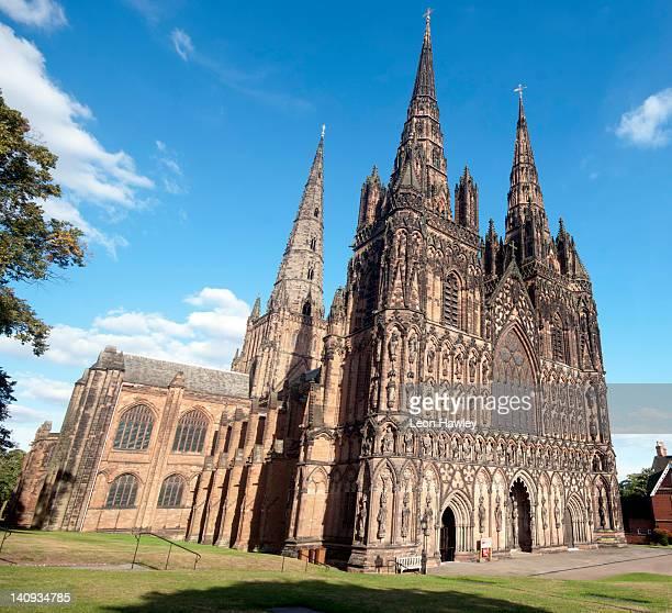 lichfield cathedral - スタッフォードシャー リッチフィールド ストックフォトと画像