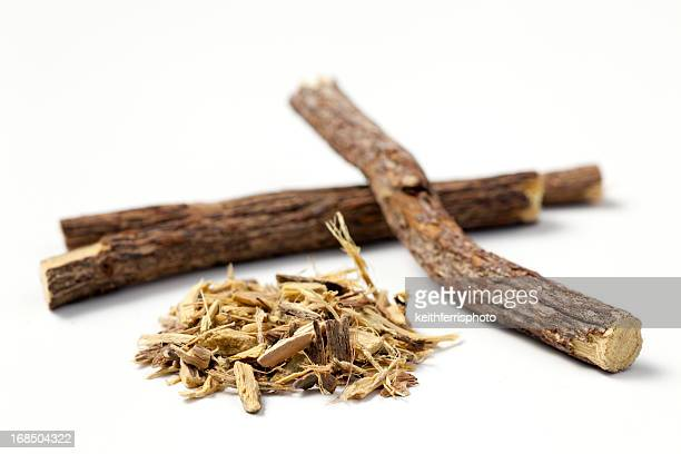 licorice root sticks and ground