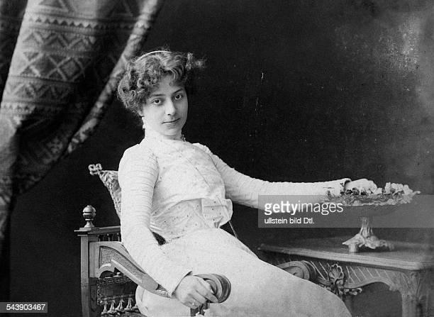 Liebling, Estelle - Vocal Coach, Germany*21.04.1880-1970+ - Photographer: Albert Meyer- 1900Vintage property of ullstein bild