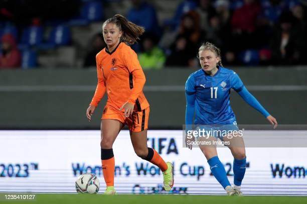 Lieke Martens of Holland Women, Agla Maria Albertsdottir of Iceland Women during the World Cup Qualifier Women match between Iceland v Holland at the...