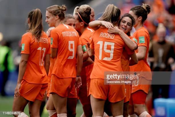 Lieke Martens of Holland Women Vivianne Miedema of Holland Women Jill Roord of Holland Women Danielle van de Donk of Holland Women celebrate 10...