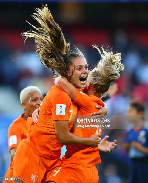 Lieke Martens of Netherlands celebrates scoring the opening goal with team mates during the 2019 FIFA Women's World Cup France Round Of 16 match...