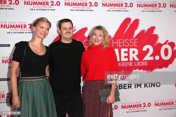 Liesl Weapon Frederic Linkemann and Genija Rykova during the premiere of Eine ganz heisse Nummer 20 at Mathaeser Kino on September 30 2019 in Munich...