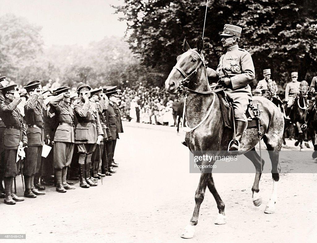 Italian Soldiers During The London Victory Parade - World War One : Nachrichtenfoto