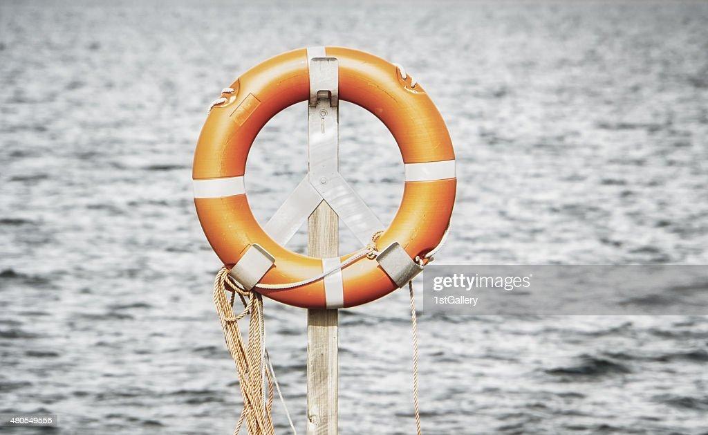 Cinturón de vida, anillo de rescate : Foto de stock