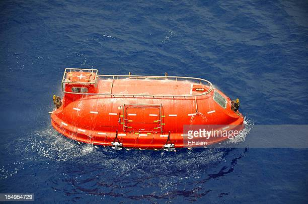 life boat - evacuation stock pictures, royalty-free photos & images