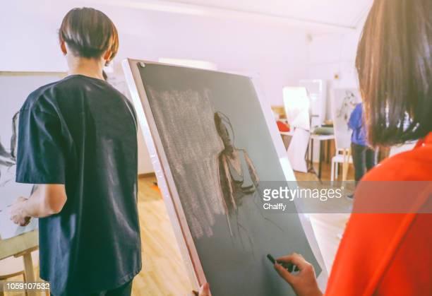 life drawing - modelo vivo imagens e fotografias de stock