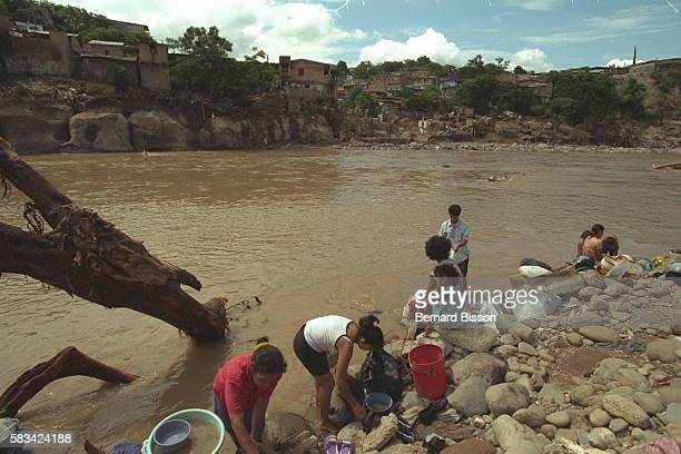 Life gets going again by the Choluteca river that flooded and caused great devastation