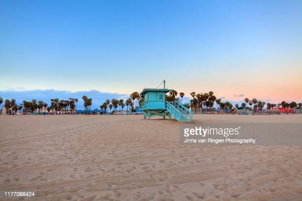 life guard tower on the beach in venice, california - california fotografías e imágenes de stock