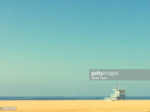 life guard tower - santa monica stock-fotos und bilder