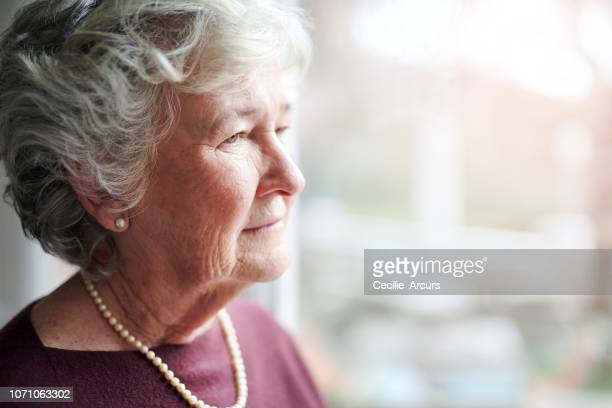 life has taught her many lessons - 80 89 years stock pictures, royalty-free photos & images