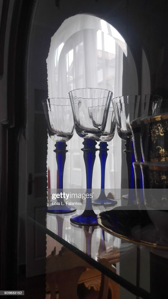 Life in a house, dining room glasses : Foto de stock