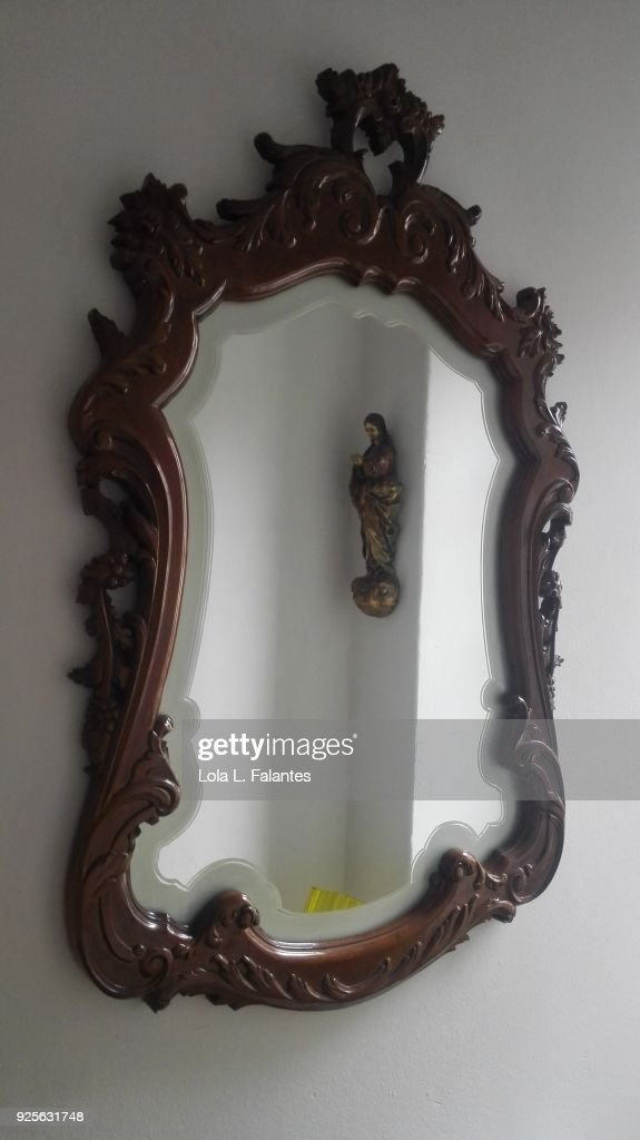 Life in a house, mirror : Foto de stock