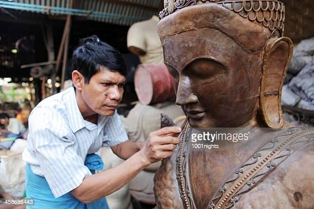 ミャンマーでの - 彫刻家 ストックフォトと画像