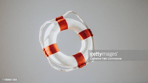 life ring - 解放する ストックフォトと画像