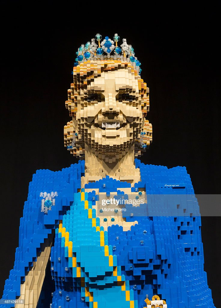 King Willem-Alexander and Queen Maxima of The Netherlands Life Size at LEGO World : News Photo