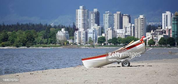 barco de nadador salva-vidas - montanhas north shore imagens e fotografias de stock