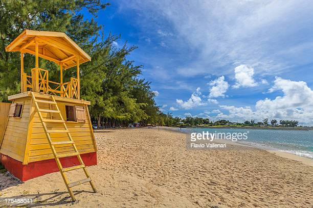 lifeguard hut, barbados - miami beach stock pictures, royalty-free photos & images