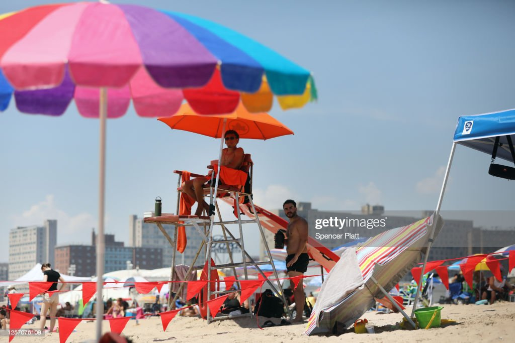Northeast Experiences First Heat Wave Of The Summer : News Photo
