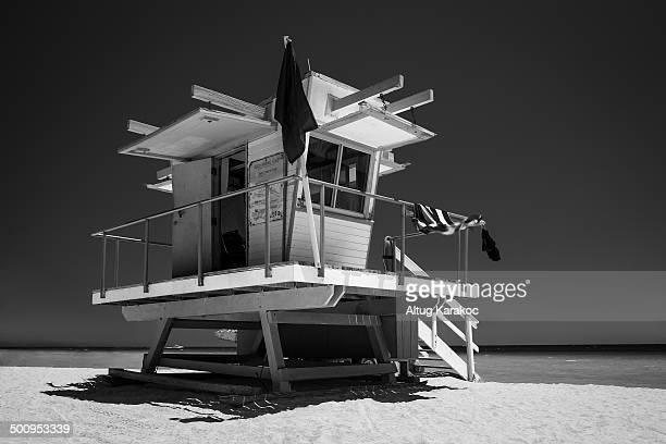 lifeguard tower - altug karakoc - fotografias e filmes do acervo