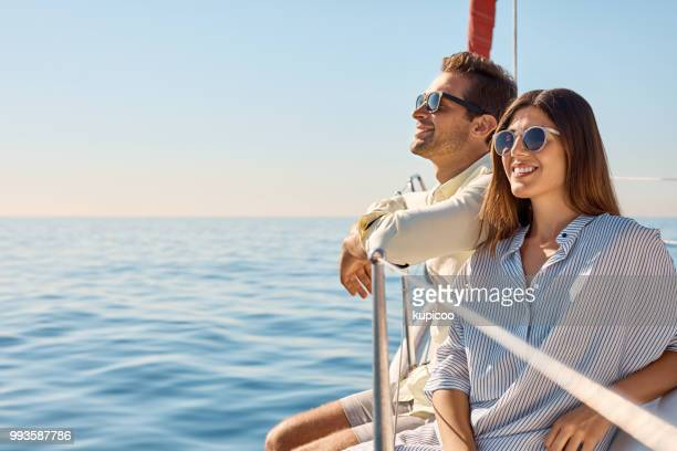 life's even better when you're cruising - yacht foto e immagini stock