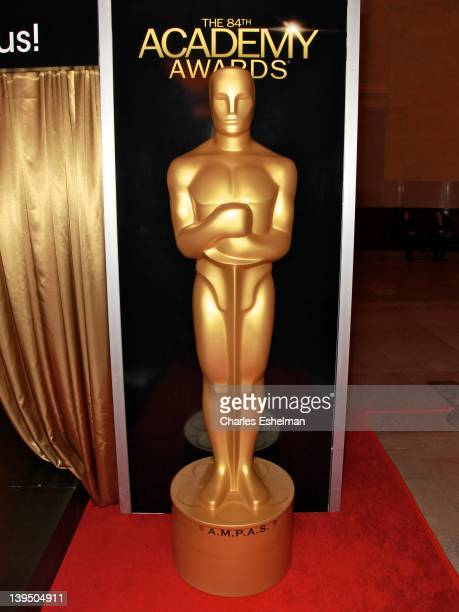 "Lifesize Academy Award statue at the ribbon cutting for the 84th Annual Academy Awards ""Meet The Oscars"" at Grand Central Terminal on February 22,..."