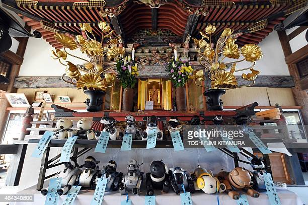 LifestyleelectronicsJapanrobotSony by Miwa Suzuki 19Sony's pet robot AIBOs are line up at an alter prior to hold the robots' funeral at the Kofukuji...