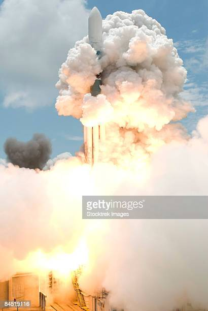 Liftoff of the Delta II rocket carrying GLAST.
