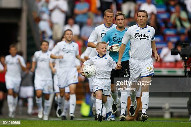 Liga - Captain Michael Gravgaard leading FCK.