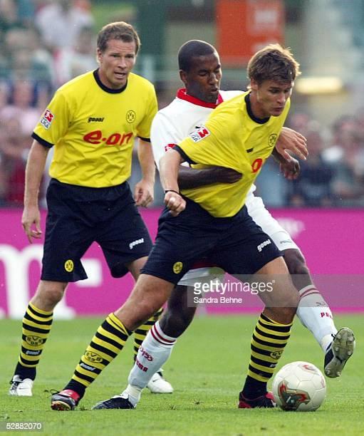 Liga Pokal 2003 Aalen VfB Stuttgart Borussia Dortmund Stefan REUTER/Dortmund CACAU/Stuttgart Sebastian KEHL/Dortmund
