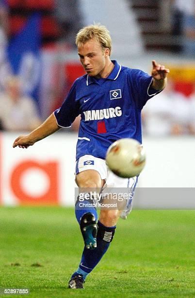 Liga Pokal 2003 Finale Mainz Borussia Dortmund Hamburger SV 24'Hamburger SV DFB Liga Pokal Sieger 2003 ' Lars JACOBSEN/HSV