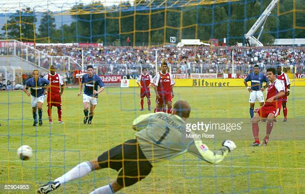 Liga Pokal 2003, Jena; FC Bayern Muenchen - Hamburger SV; Tor zum 1:0 durch Michael BALLACK/Bayern